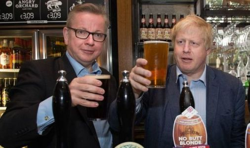 Politicians exempt from 10pm bar curfew as House of Commons boozers use sneaky loophole