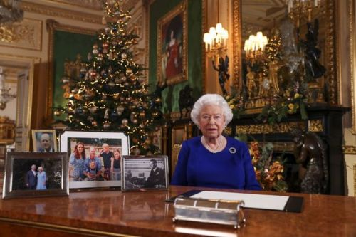 How Will The Queen Form A Christmas Bubble?