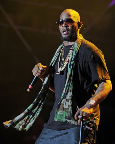 Lawyer confirms R.Kelly is in custody after being charged with 10 counts of aggravated criminal sexual abuse
