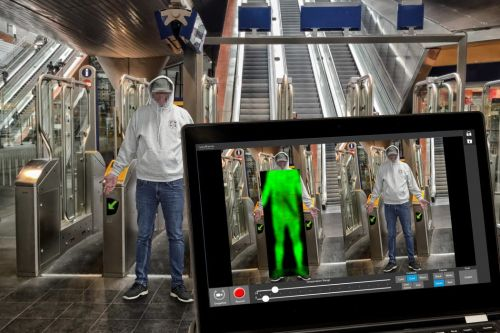Body scanners at London station can see if people are carrying knives