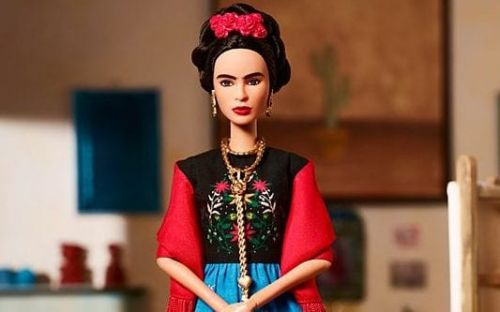 Judge 'blocks' sale ofFrida Kahlo doll after complaint from Mexican artist's family