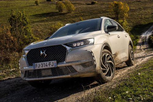 New DS 7 Crossback E-Tense 2019 review