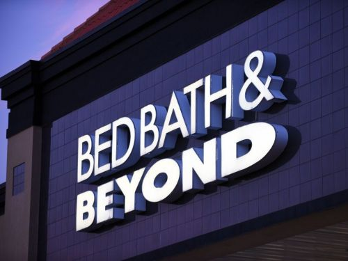 Bed Bath and Beyond is closing 200 stores as quarterly sales tumble nearly 50%