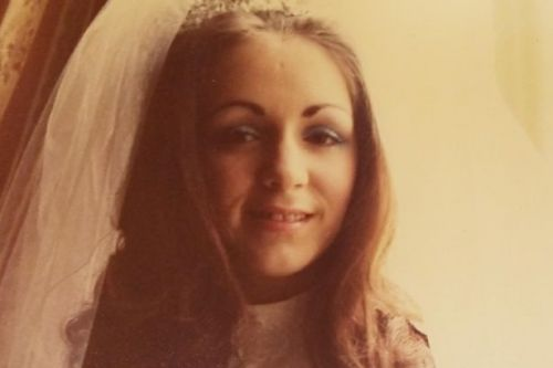 Family of beautiful 1970s bride thrilled to be reunited with film of her Glasgow wedding