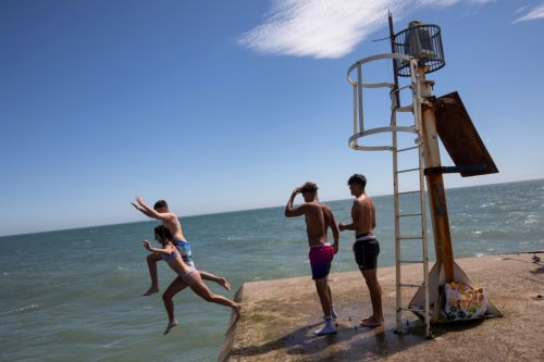 Is there a heatwave coming to all parts of the UK - where has a level 3 warning been issued?