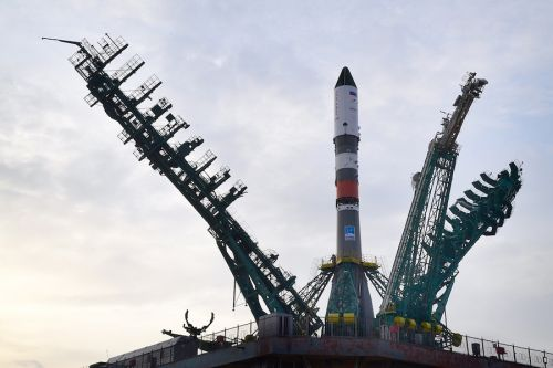 Soyuz rocket set to launch Russian Progress freighter to space station