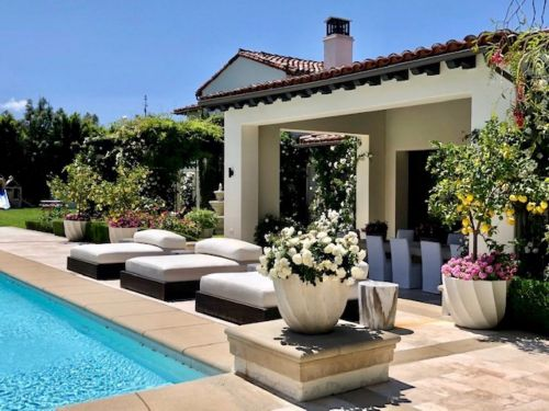 Khloé Kardashian is selling her Calabasas mansion. Take a look inside the $19 million home, which comes with a private hiking trail and was once owned by Justin Bieber