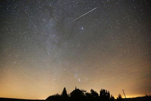 Leonid Meteor Shower November 2018: How to see a shooting star from the UK tonight