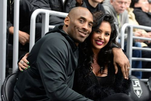 Vanessa Bryant shares poignant picture of Kobe in 'I can't breathe' T-shirt