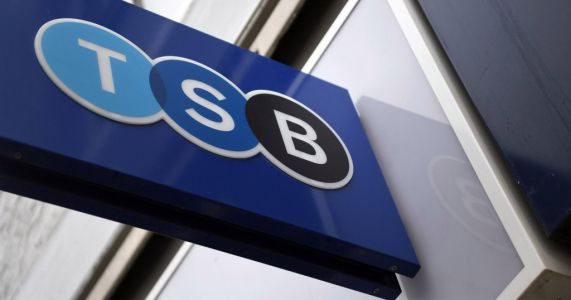 TSB to cut 900 jobs and close 164 high street banks