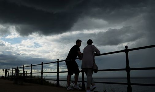 UK weather: Thunderstorms and downpours to cause travel disruption this weekend