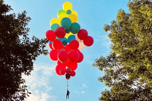 David Blaine to fly above New York holding balloons in stunt for YouTube Originals