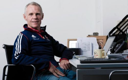 British Cycling physio alleges Shane Sutton 'bullied' Dr Richard Freeman during medical tribunal
