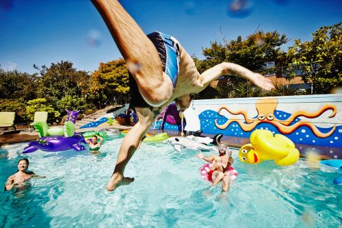 Insider Life: Airbnb for pools - Ritzy summer camp drama - Exclusive NY club