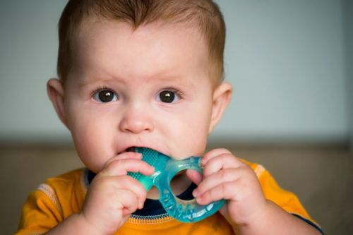 How to soothe a teething baby - best remedies and toys