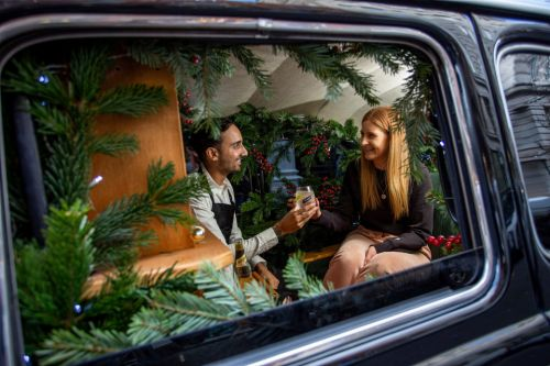 World's smallest gin bar in back of a London taxi gives commuters a tonic