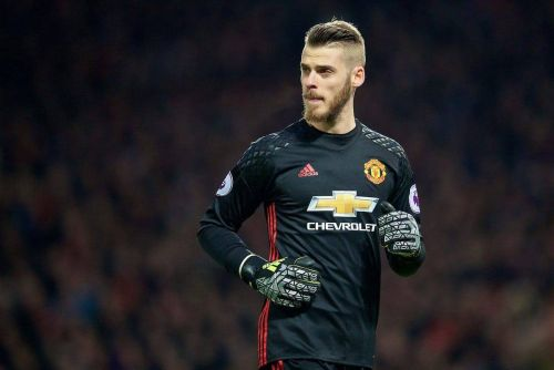 More worries for Man United ahead of Reds clash as David de Gea suffers injury