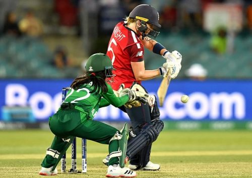 Heather Knight leads England to victory over Pakistan at T20 World Cup