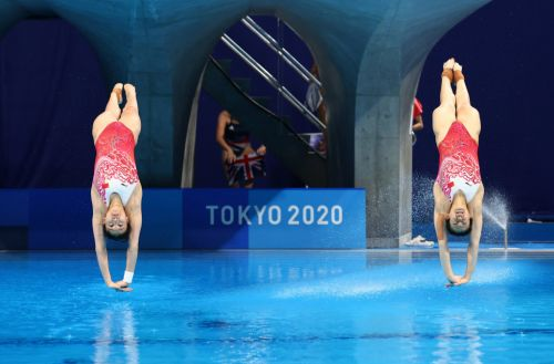 Why water is sprayed in Olympic diving pools