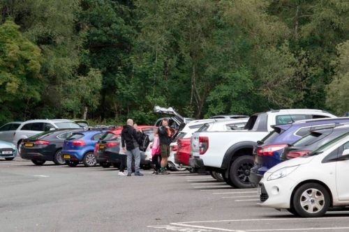 Beauty spot car parks and ferries rammed as Scots travel to soak up warm weather