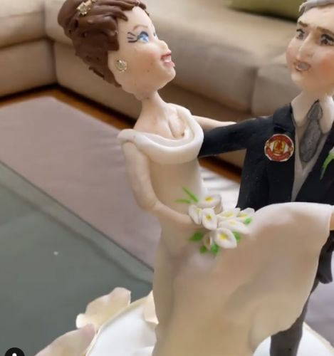 Ruth Langsford and Eamonn Holmes get cute cake version of themselves for 10th wedding anniversary
