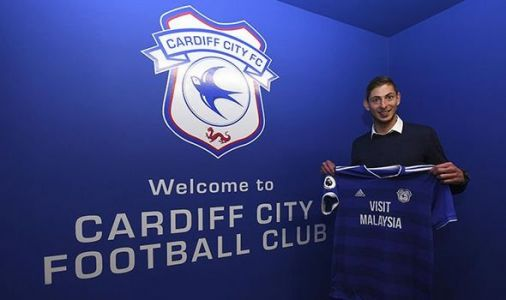 Emiliano Sala plane crash: Cardiff City fans pray after Piper Malibu plane goes missing