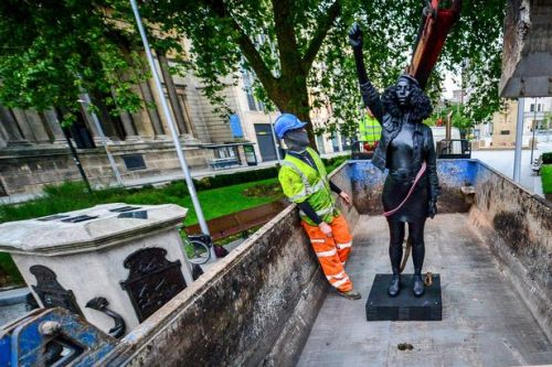 BLM protester statue removed hours after being put in Edward Colston's place