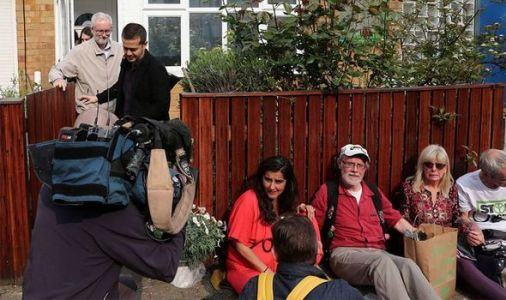 Extinction Rebellion London activists chained to Jeremy Corbyn's home