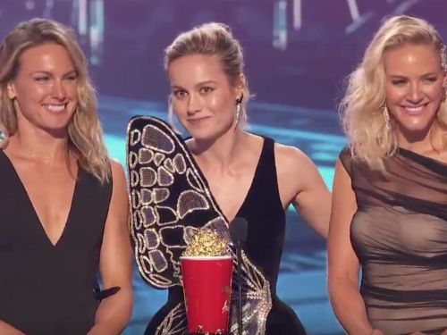 Brie Larson won best stunt at the MTV Movie and TV Awards, and brought up her 'Captain Marvel' stunt doubles to accept the honor