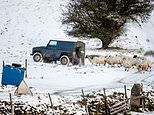 UK WEATHER snow and ice across UK Manchester Bradford Chilterns Cotswolds Glasgow