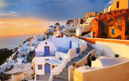 Travel updates: Quarantine for Britons in Greece, even if you test negative
