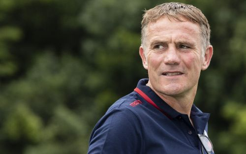 Phil Parkinson quits as Bolton Wanderers' troubles deepen