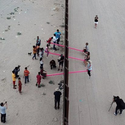 Pink seesaws that straddled US-Mexico border named Design of the Year 2020