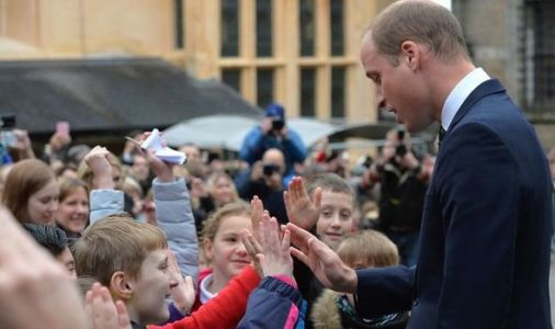 Prince William mobbed by children in adorable resurfaced video: 'Just like his mum!'