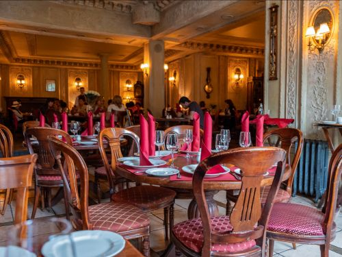 I splurged on a $60 lunch at an iconic Moscow restaurant that's inside an 18th-century Russian aristocrat's mansion. Here's what it was like