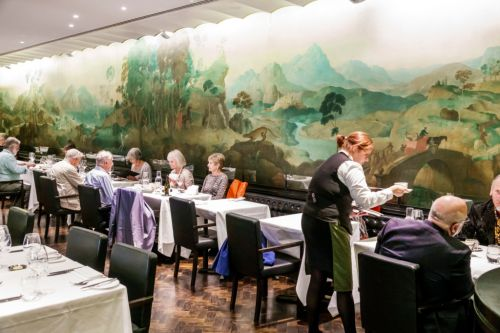 Tate gallery drops 'amusing' description of restaurant with racist mural