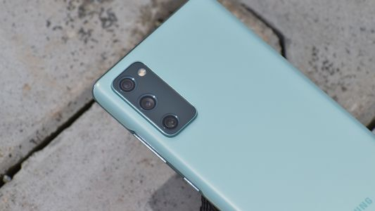 Samsung drops a big hint that the Galaxy S21 FE is still on the way