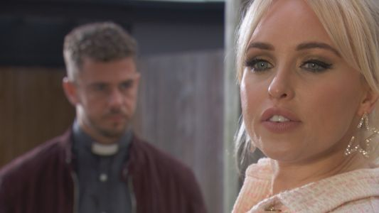 Hollyoaks spoilers: Joel Dexter cheats on Goldie McQueen with Theresa?