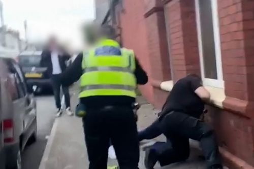 Video of pub arrest appears to show man being punched by police officer