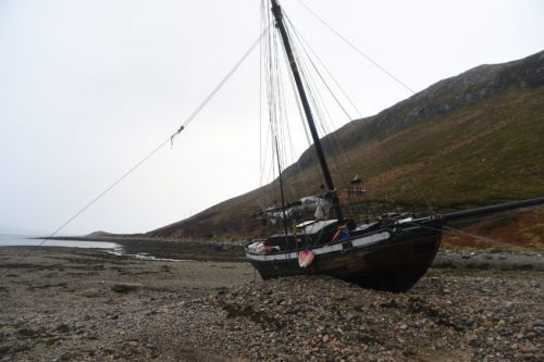 VIDEO: Stranded sailor launches crowdfunding appeal to help set sail for home