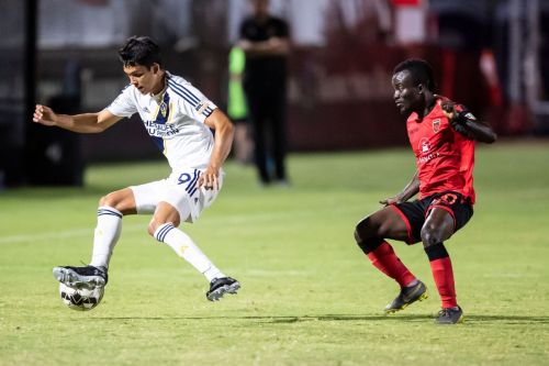 Rising earn 20th straight win in abandoned match