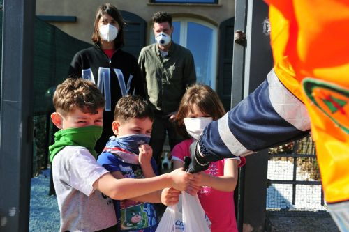 8 nonprofits helping Americans struggling because of the coronavirus pandemic that you can donate to right now