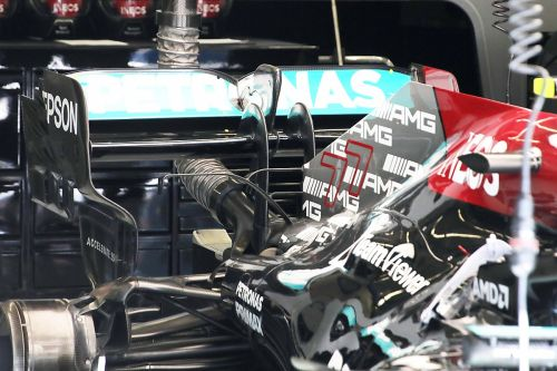 """Horner: Mercedes struggles on engine reliability """"very unusual"""""""