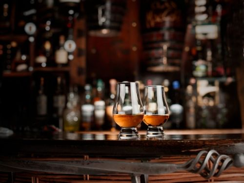 From Glencairn to gin goblets: Why different glasses are used for certain drinks