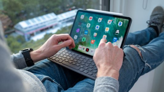 IPad Pro tablets should be getting Logitech Crayon support next week