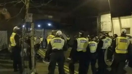 Watch Police Raid An Illegal Rave In East London Last Night