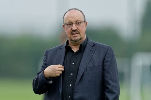 Chess fan Benitez ready to come out fighting and keep Everton doubters in check