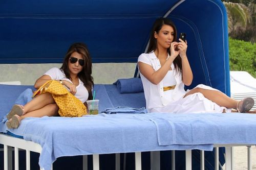 Where to watch and stream Keeping up with the Kardashians - is the reality show on Netflix?