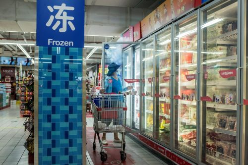 Imported frozen foods may have caused New Zealand's new coronavirus outbreak. But it's very rare to get sick from such packages