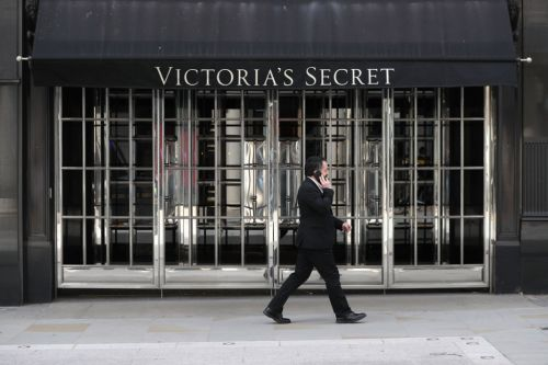 Victoria's Secret crashes into administration in UK putting 800 jobs at risk